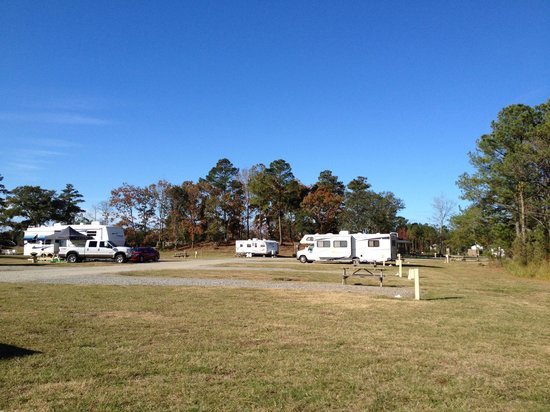 OBX Campground: Pier and picnic area