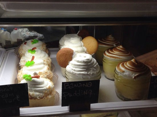 Rise Kitchen & Bakery: Awesome desserts