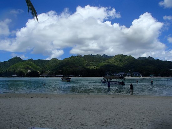 Koka Lagoon Cruises : The view from our island lunch