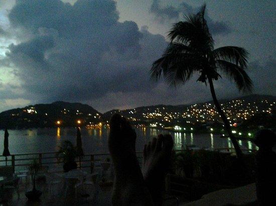 Hotel Irma: Vista a la bahía