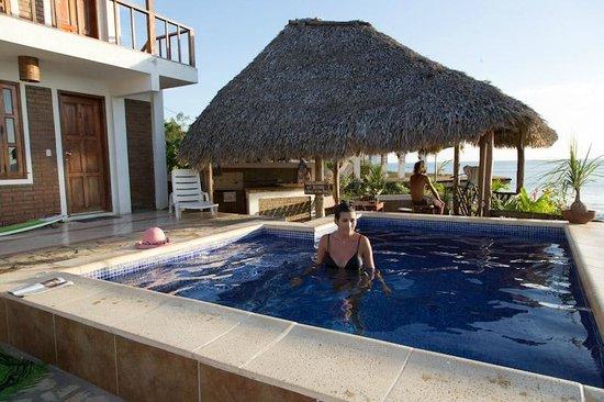 Miramar Surf Camp : pool