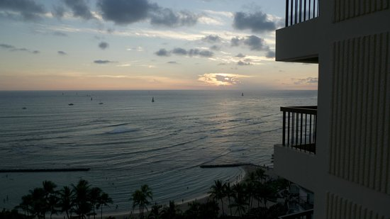 Aston Waikiki Beach Tower : Sunset from condo