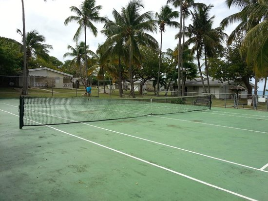 Hawksbill by Rex Resorts: Tennis court