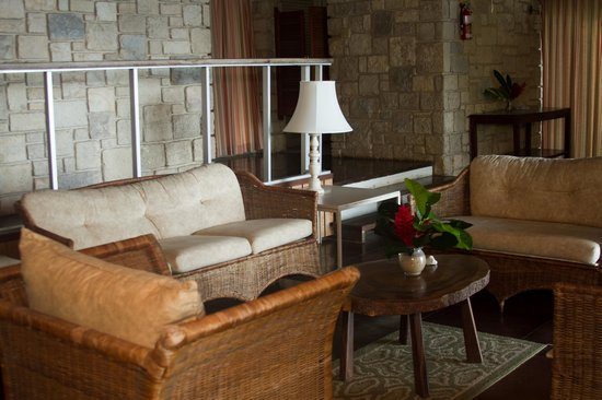 Frenchman's Cove Resort: sitting area