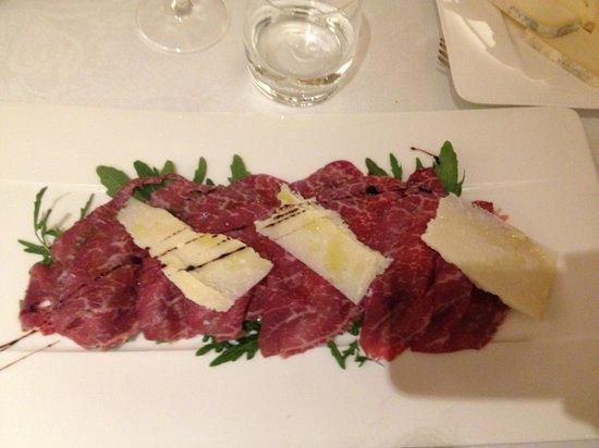 Hotel Cortina: Carne salata