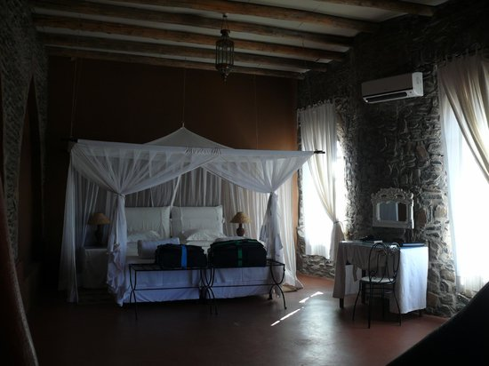 Le Mirage Resort & Spa: la chambre et le lit
