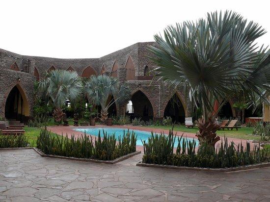 Le Mirage Resort & Spa: la cour intérieure et la piscine