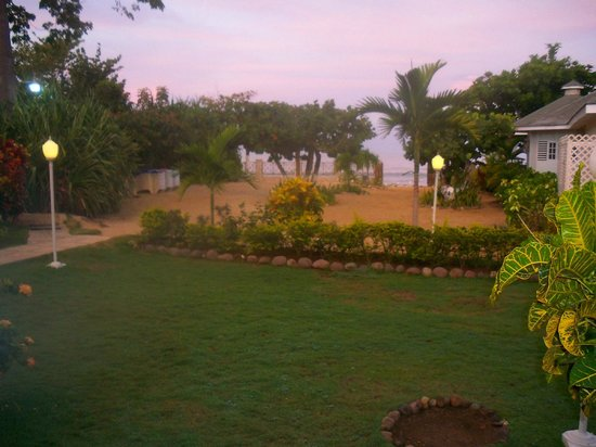 Rondel Village: Looking out from beach front villa