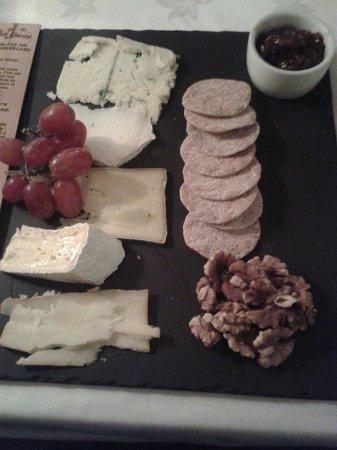 Bearslake Inn: The cheese board