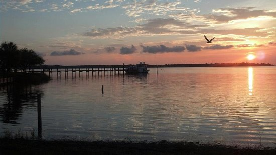 Nautical Point RV Park & Rentals : Sunsets in your backyard