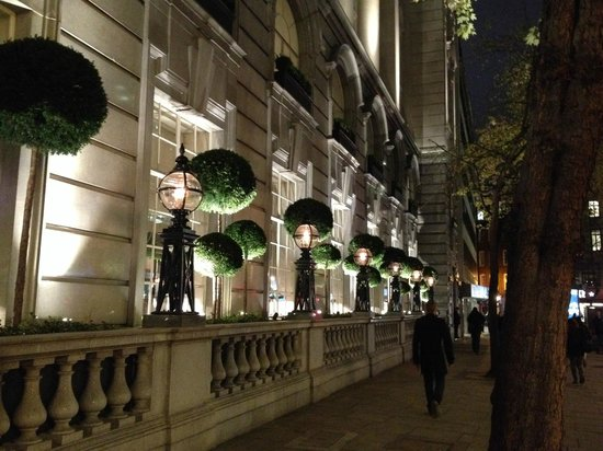 Rosewood London: Street level view