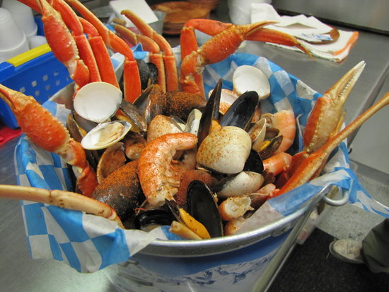 mad beach fish house: Seafood Bucket with Snow Crab, Shrimp, Mussels, Clams, and Corn on the Cobb