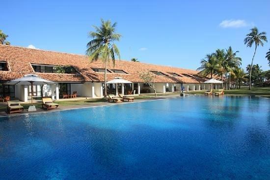 AVANI Bentota Resort & Spa: very clean and good location pool