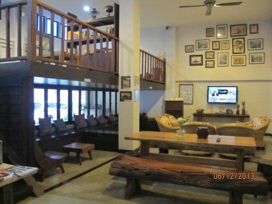 HI Mid Bangkok : Lounge area