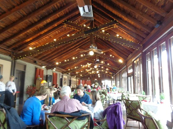 Deerpark Restaurant: Beautifully decorated