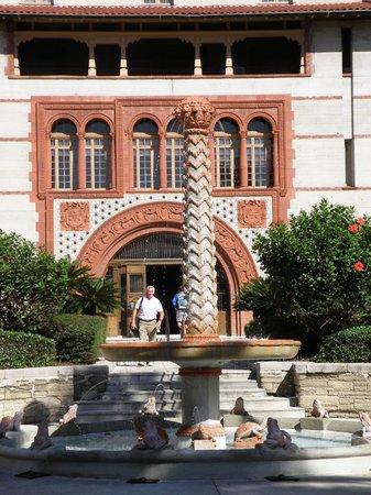 Flagler College courtyard