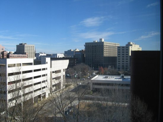 Chattanooga Marriott Downtown: City view to right