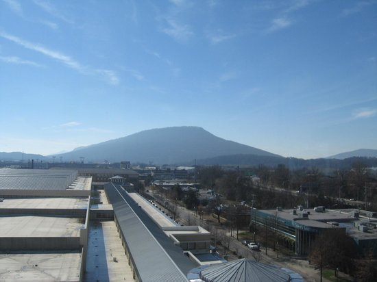 Chattanooga Marriott Downtown: Lookout mountain view