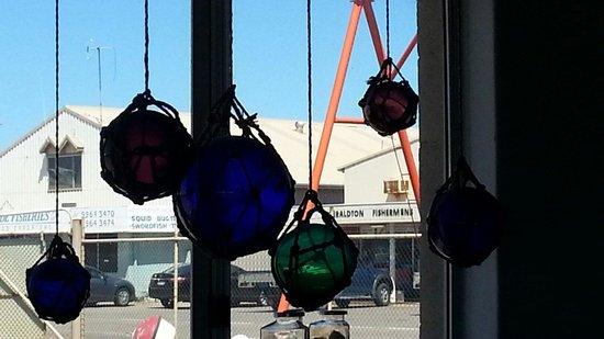 Barnacles Food Bar: Coloured floats
