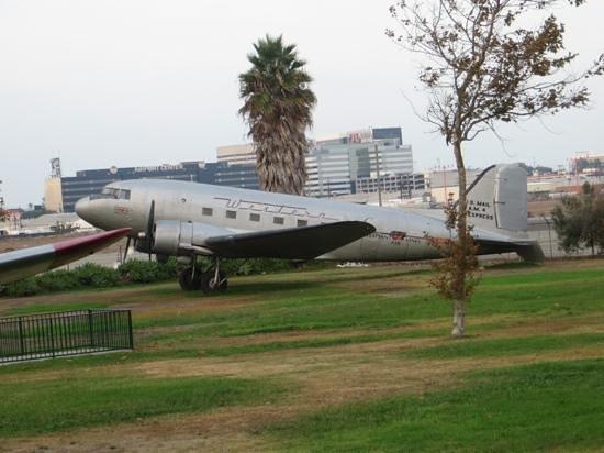 Proud Bird Restaurant: Aircraft outside