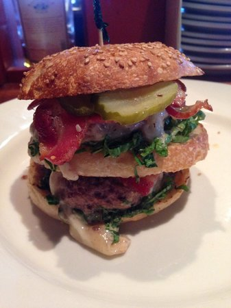 Brick House Pub: THE BEST BURGERS!!