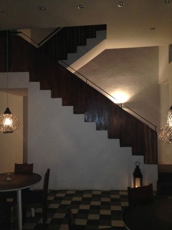 Los Patios Hotel: Stairs leading to PH