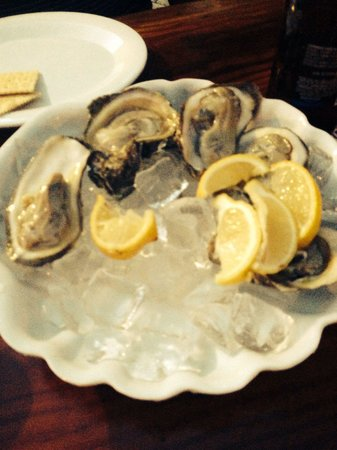 Monty's Coconut Grove: Oysters