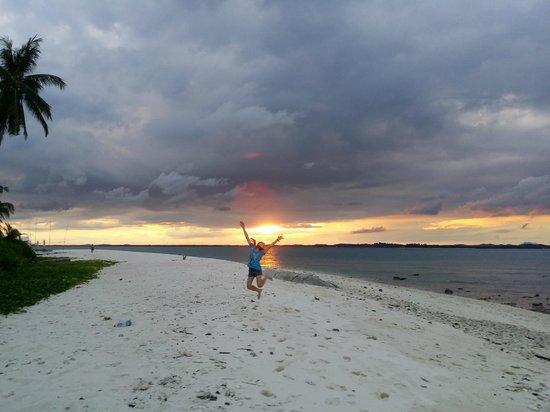 Nikoi Island : gorgeous sunset