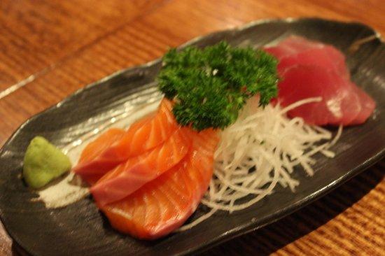 Asahi Japanese Restaurant: Super fresh sashimi