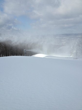 Montage Mountain : A beautiful day on the slopes