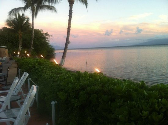 Hotel Molokai: Sunsets are frequently beautiful!