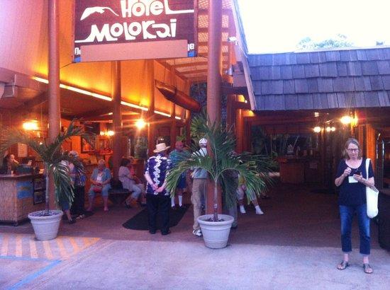 Hotel Molokai's main entrance.