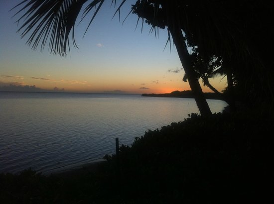 Hotel Molokai: Another irresistible sundown.