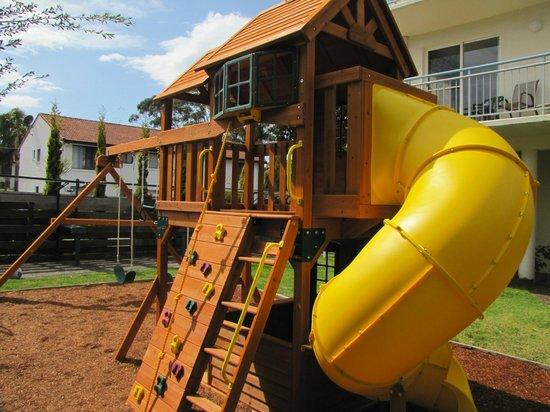Apollo Luxury Apartments: Children Playground