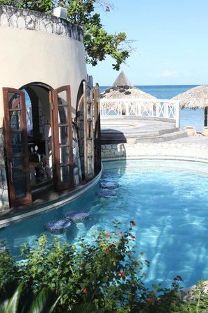 Sandals Montego Bay : swim up bar