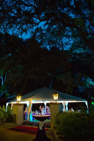 Hampton Inn & Suites Jekyll Island: Our wedding under a white tent beside the pool area