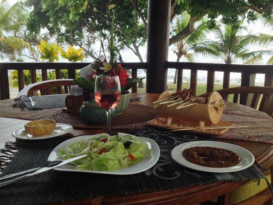 Puri Dajuma Cottages: lunch