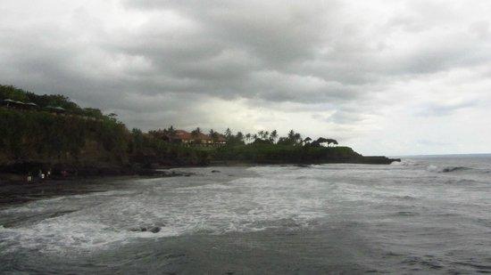 Puri Dajuma Cottages: beach