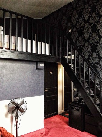 Alba Opera Hotel: Neat loft