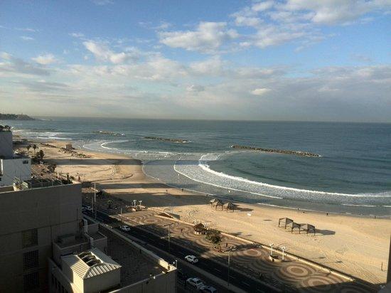 Orchid Tel Aviv: Вид из окна на 16 этаже