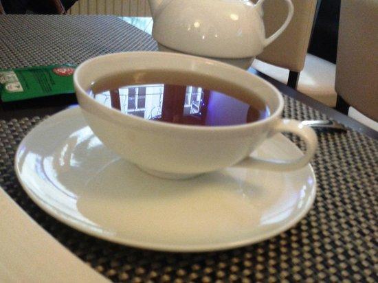 Miss Saigon: мятный чай, чашка гиганская была но легкая