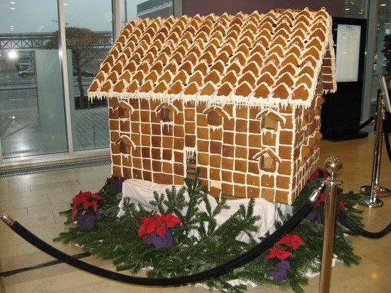 Tivoli Hotel: Honning kagehuset december 2013