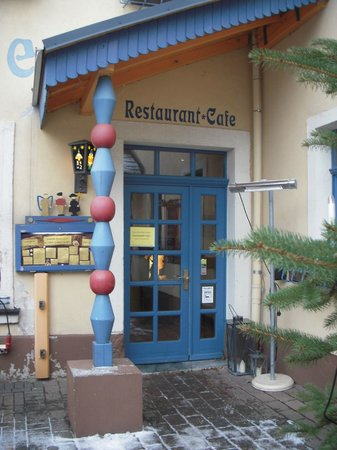 Hotel Erbgericht Buntes Haus: レストランの入り口です。