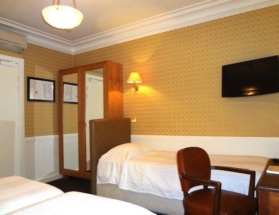 Hotel Eber : Chambre Triple
