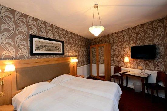 Hotel Eber : Chambre Superieure equipement