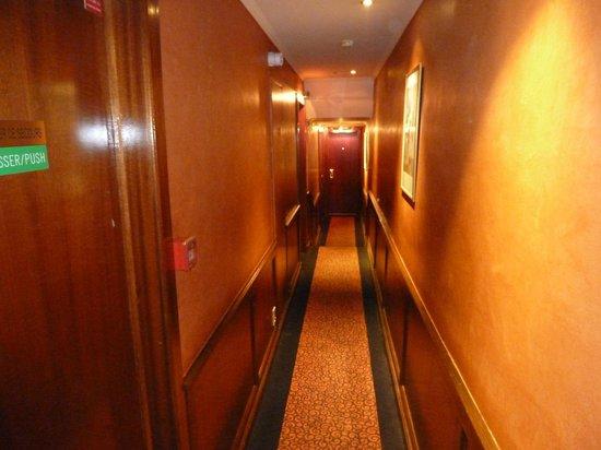 Hôtel Muguet : Hotelflur