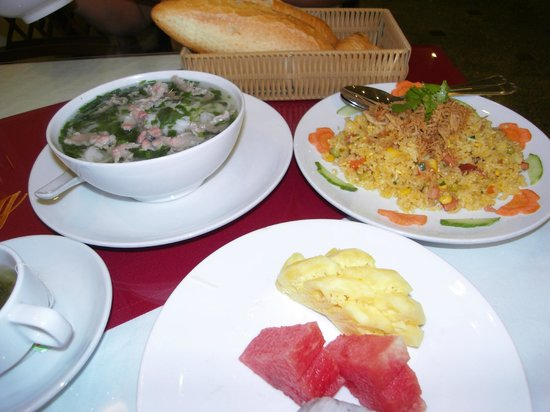 Hanoi Charming 2 Hotel: The best pho in the world!