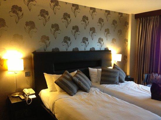 The Twelve Hotel: Room was clean & comfortable .