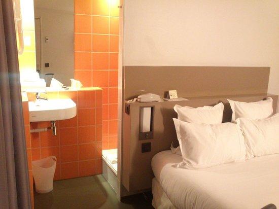 Libertel Canal Saint-Martin : el WC separado con puerta independiente, no está nada mal para optimizar y evitar olores