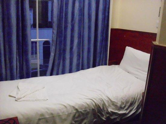 Wardonia Hotel: Bett